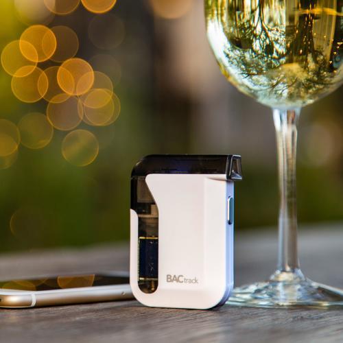 Mobile Pro Smartphone Breathalyzer   BACtrack