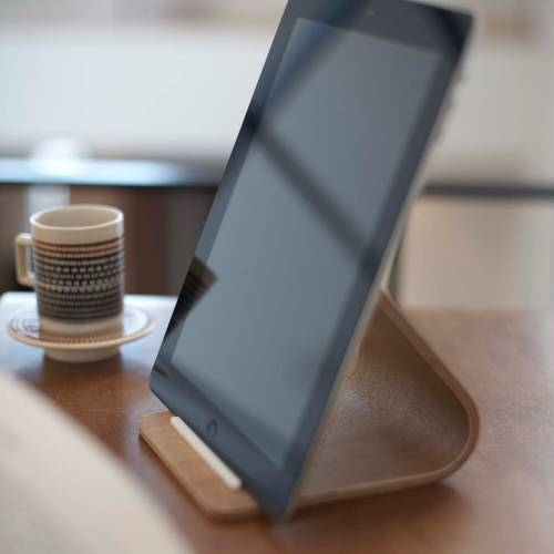 RIN   PLYWOOD TABLET STAND   The Yamazaki