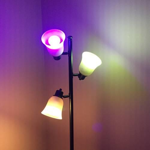 Q Smart Color LED Light Bulb Package
