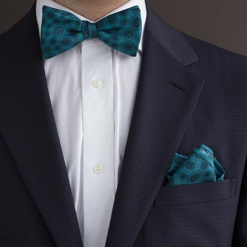 The World Beater   Handmade Silk Bow Tie   The OutlierMan