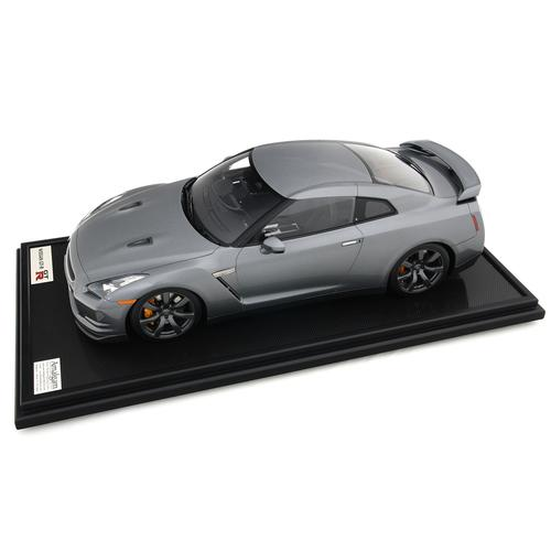 Nissan | GT-R 2007 | Amalgam | 1:8 Scale Model Car