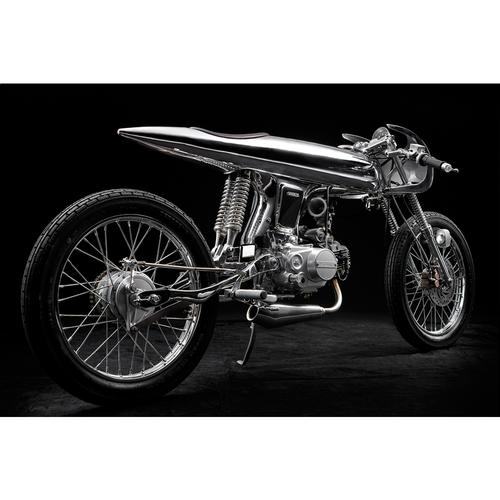 Eve Chrome | Honda Supersport 125cc | Bandit9 Motorcycles